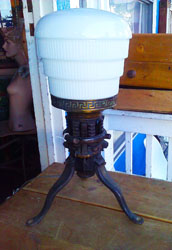 Iron based table/desk lamp